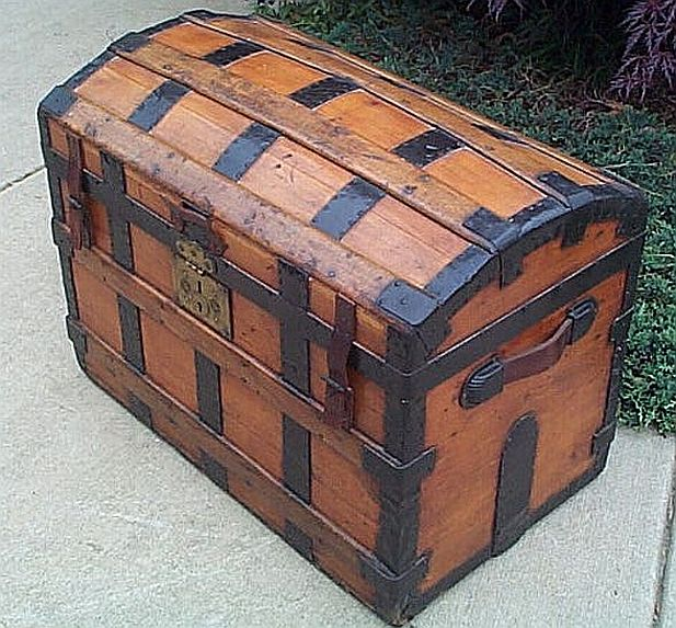 Antique Trunk #233