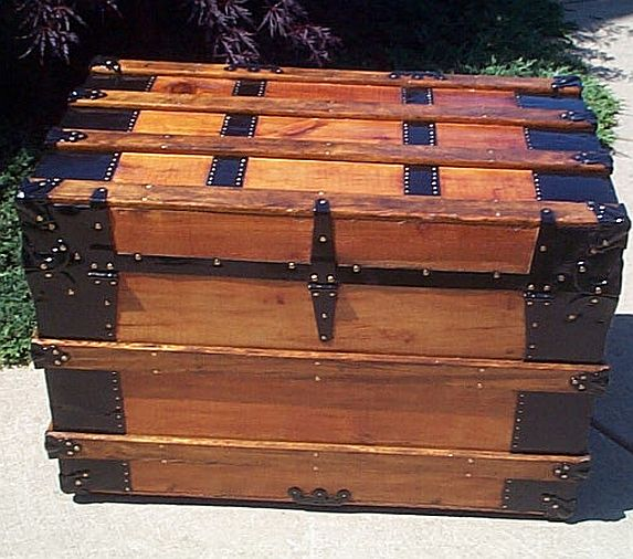 Antique Trunk #234