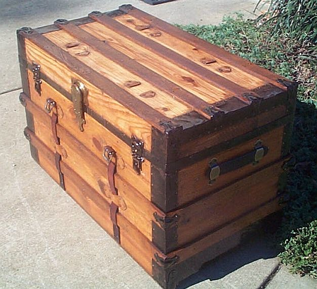 Antique Trunk #251