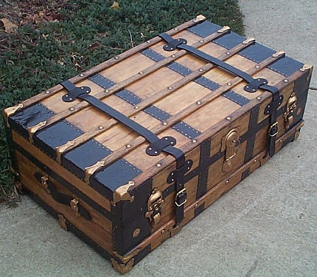 Antique Trunk #252