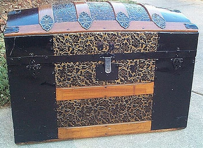 Antique trunk #254