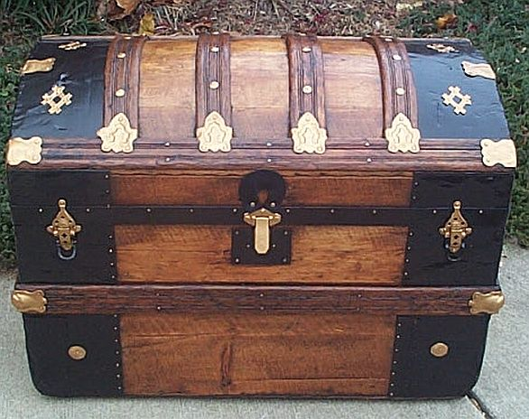 Antique trunk #255