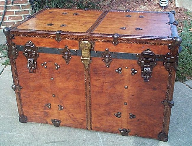 Antique Trunk #259