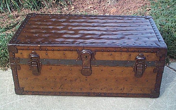 Antique steamer trunk #260