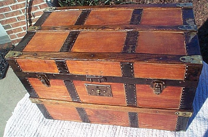 Antique Trunk #261