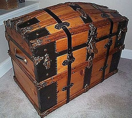 Antique Trunk #262