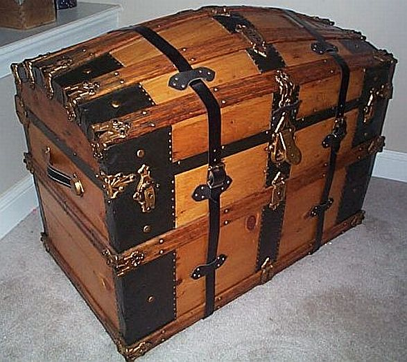 Antique steamer trunk #262