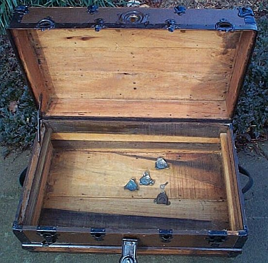 Antique Trunk #264