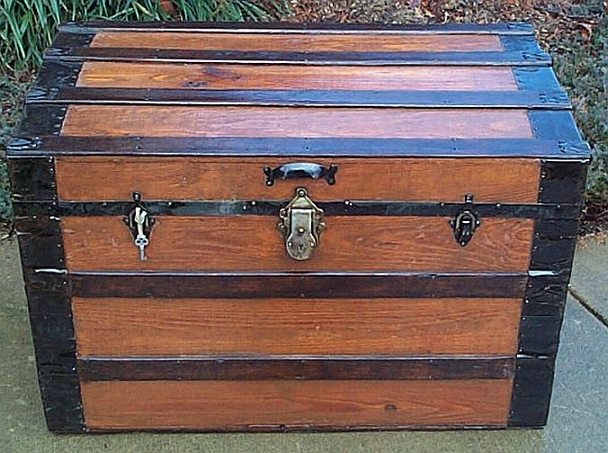 Civil War Antique trunk #265