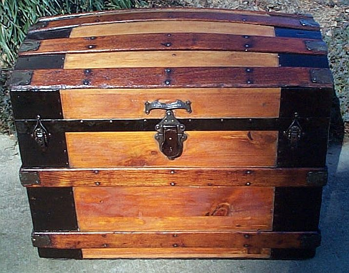 Antique dome top trunk #267