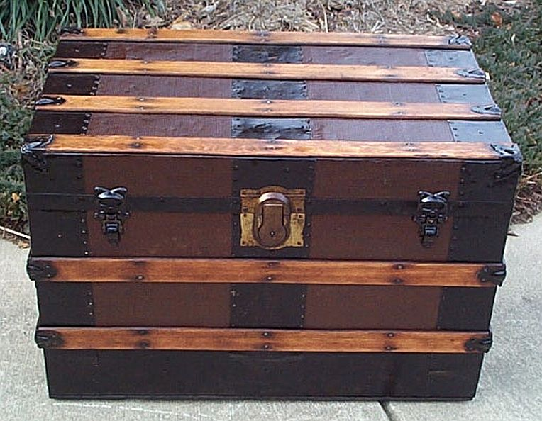 Antique flat top trunk #270