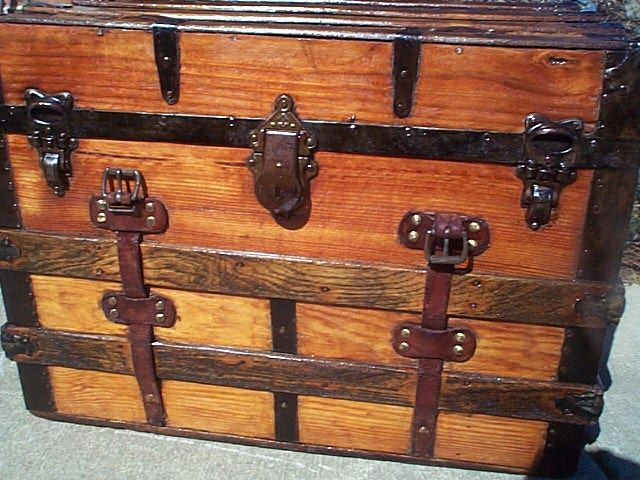 Antique Trunk #271