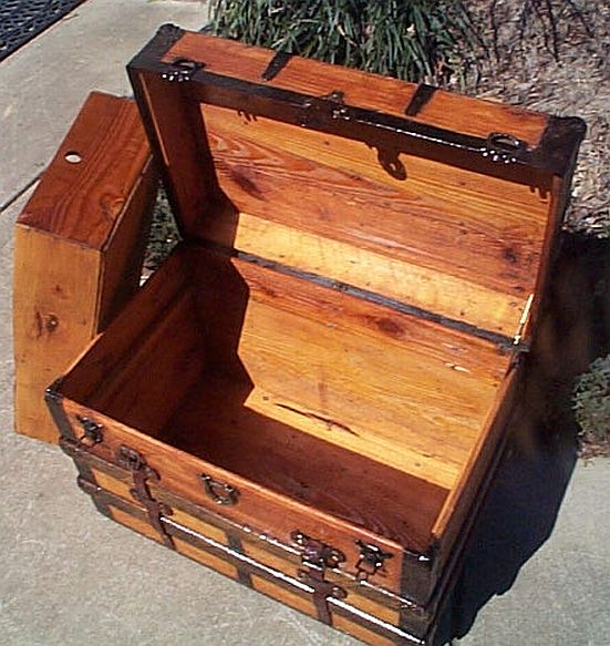 Restored Antique Trunks #271