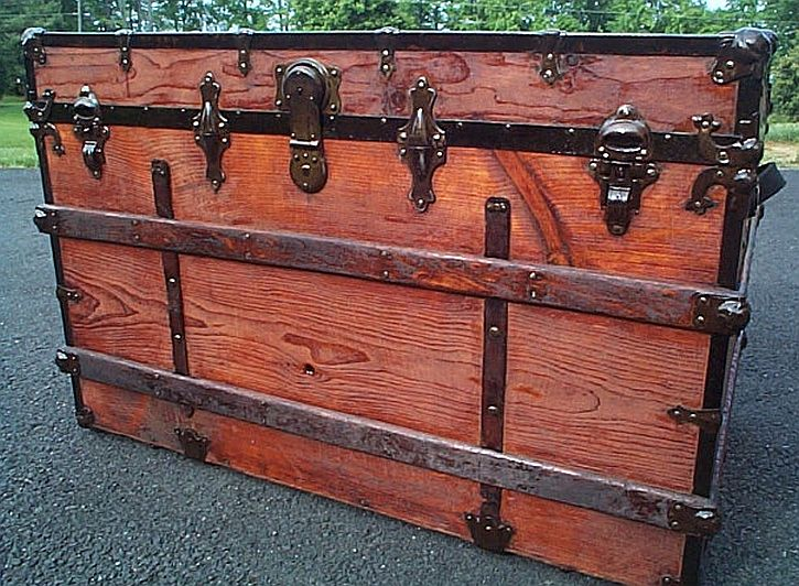 Antique Trunk #277