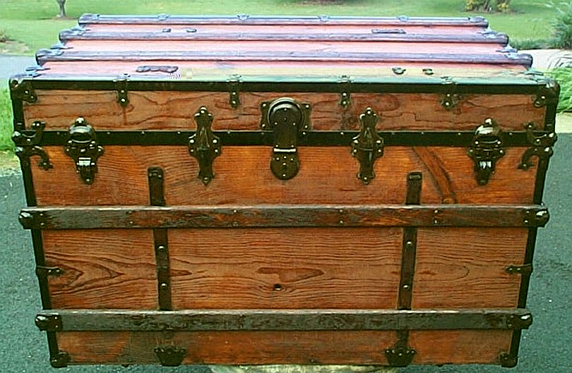 Antique Steamer Trunk Low Profile Flat Top #277
