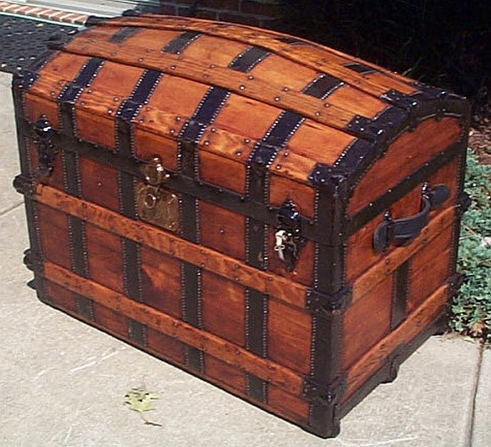 Refurbished Antique Trunks #279