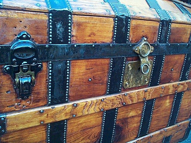 Antique Trunk #279