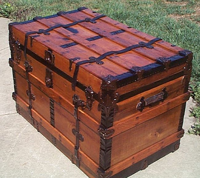 Refurbished Antique Trunks #282