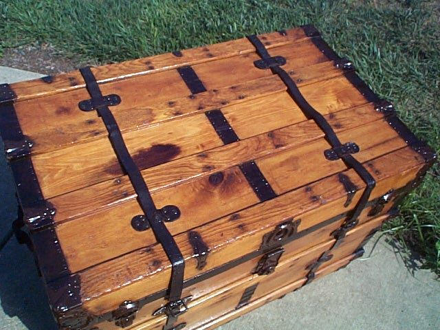 Antique Trunk #282