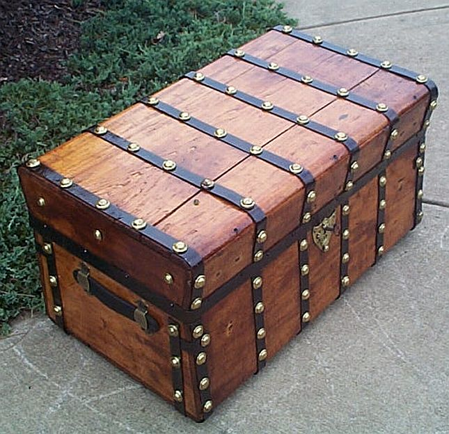Antique Trunk #286