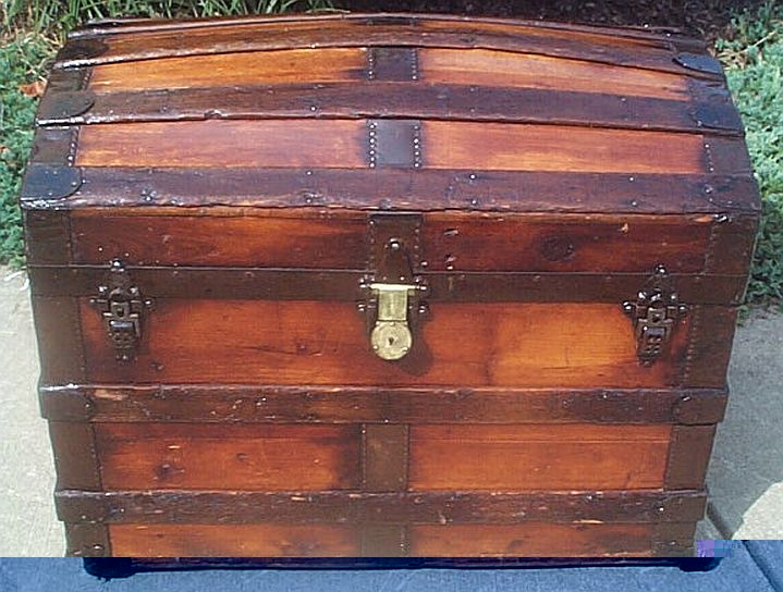 Antique steamer trunk #287