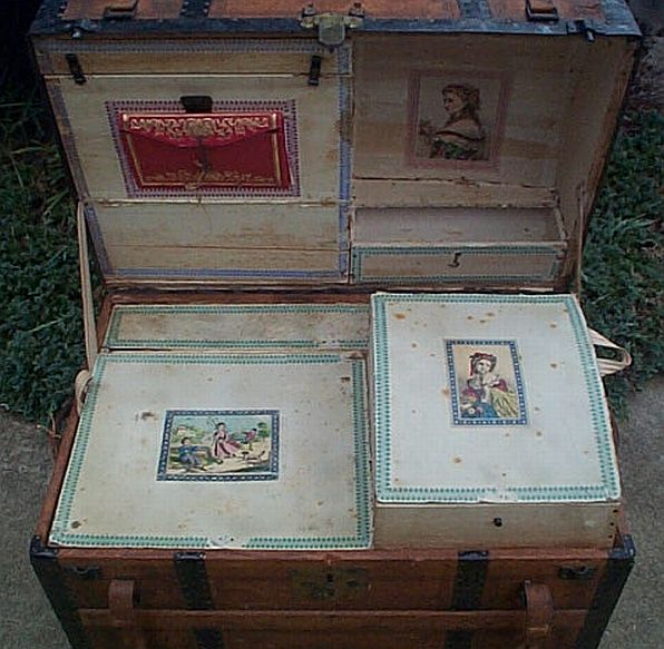 Antique Trunk #289