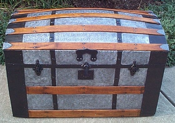 dome top antique trunk #290
