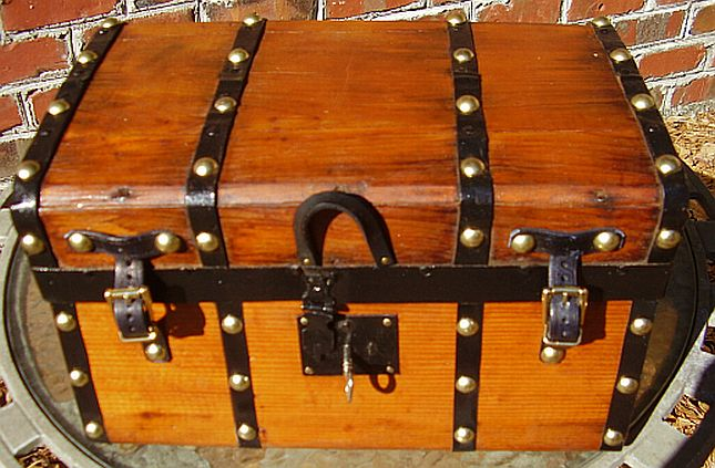 dome top antique trunk #293