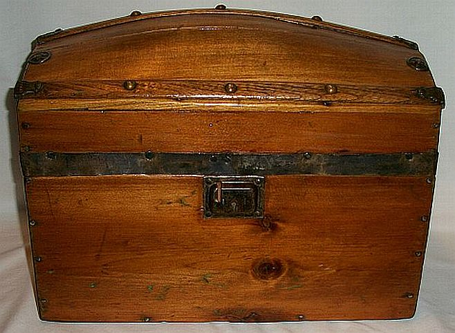 dome top antique trunk #294