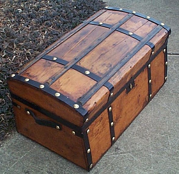 Antique Trunk #297