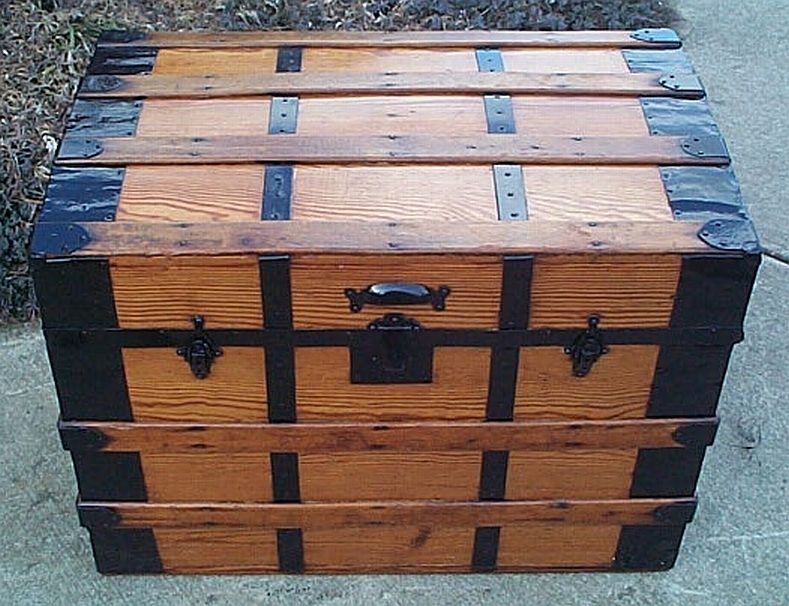 dome top antique trunk #299