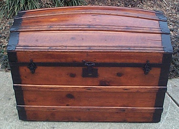 dome top antique trunk #300