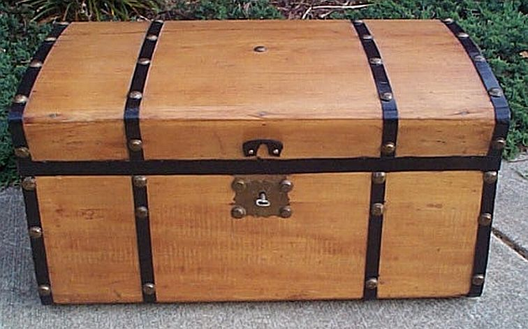 Jenny Lind antique trunk #304