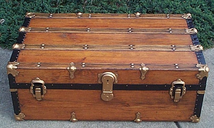 Low Profile antique trunk #305