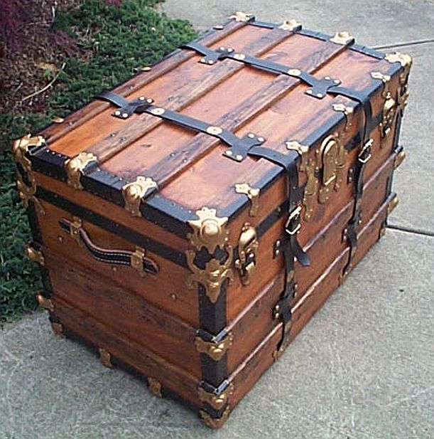 Antique Trunk #307