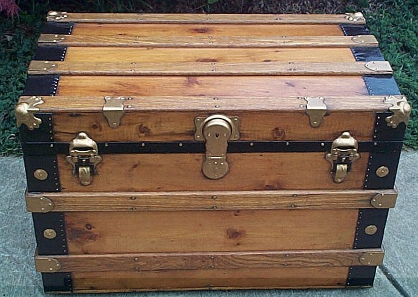 Low Profile antique trunk #308
