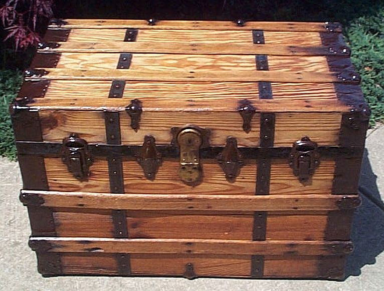 Low Profile antique trunk #309