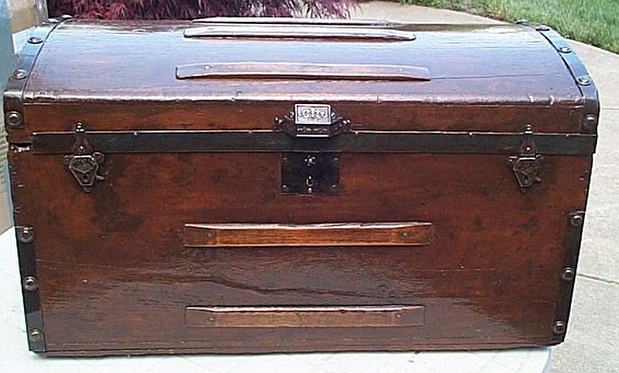dome top antique trunk #310