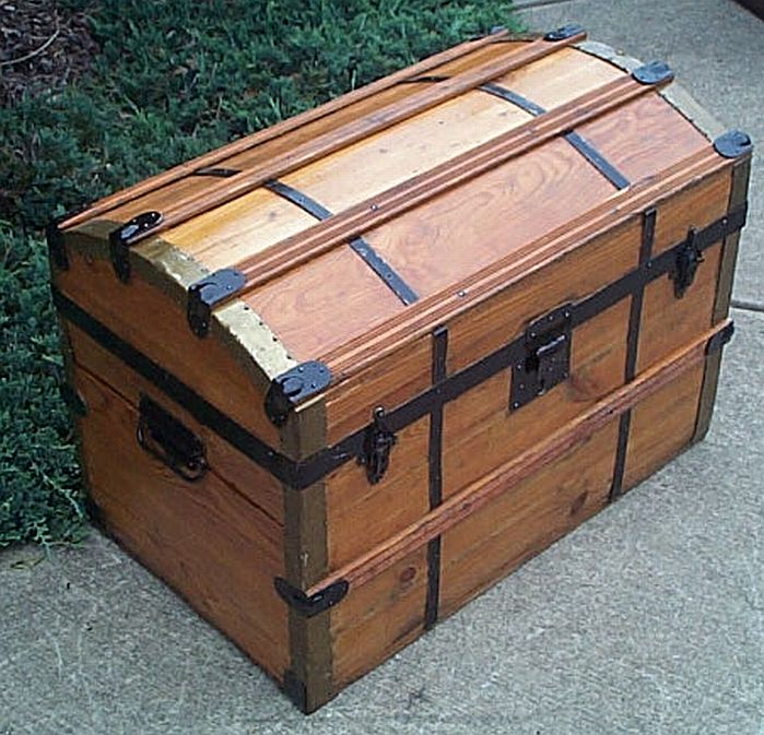 Antique Trunk #312