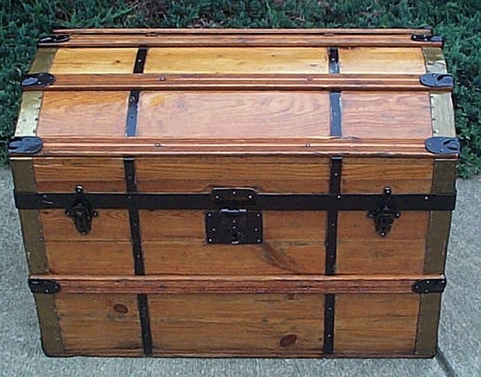 dome top antique trunk 312