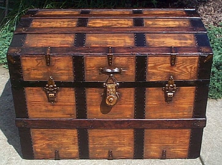 dome top antique trunk 313