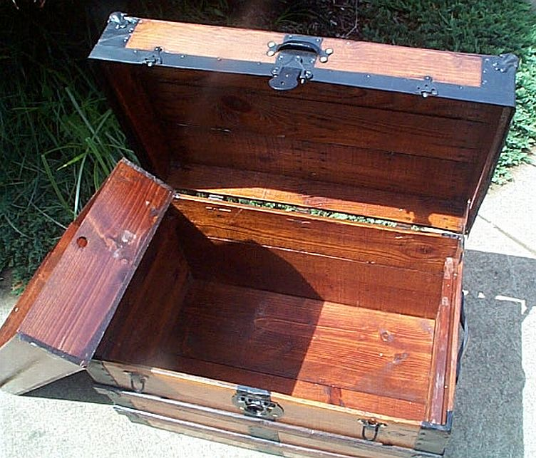 Antique Trunk #315