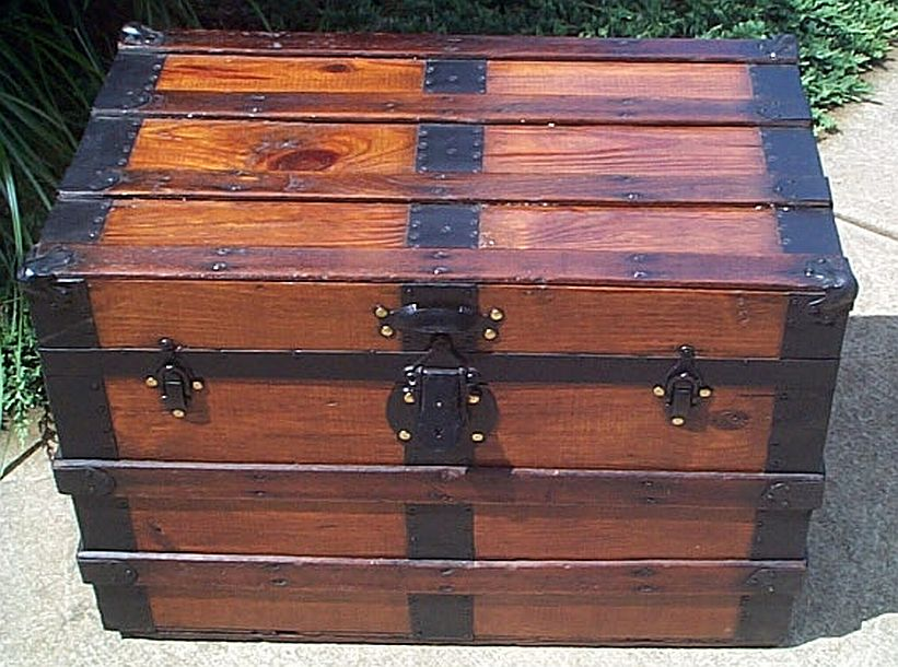flat top antique trunk 315