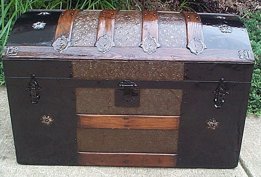 dome top antique trunk 316