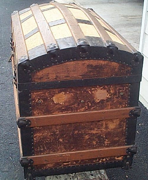 Antique Trunk #317