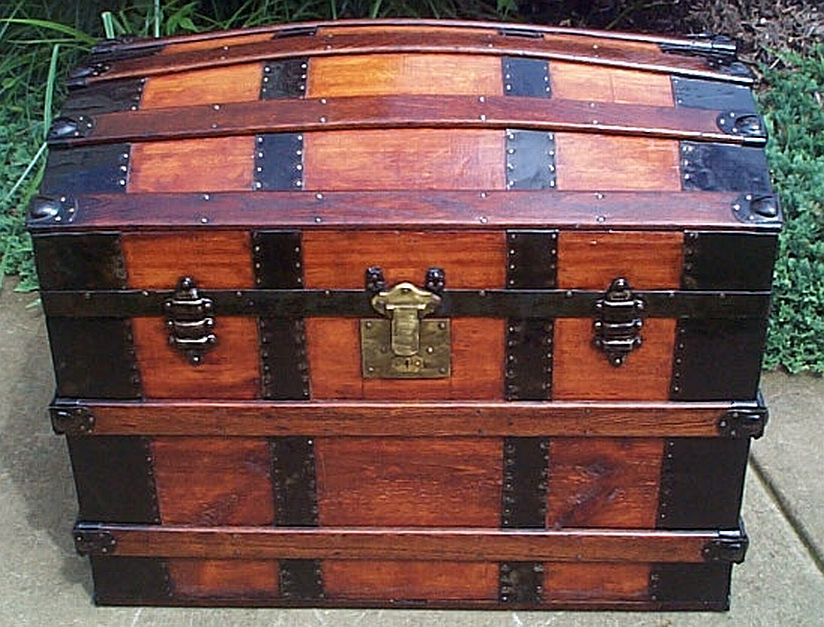 dome top antique trunk 317