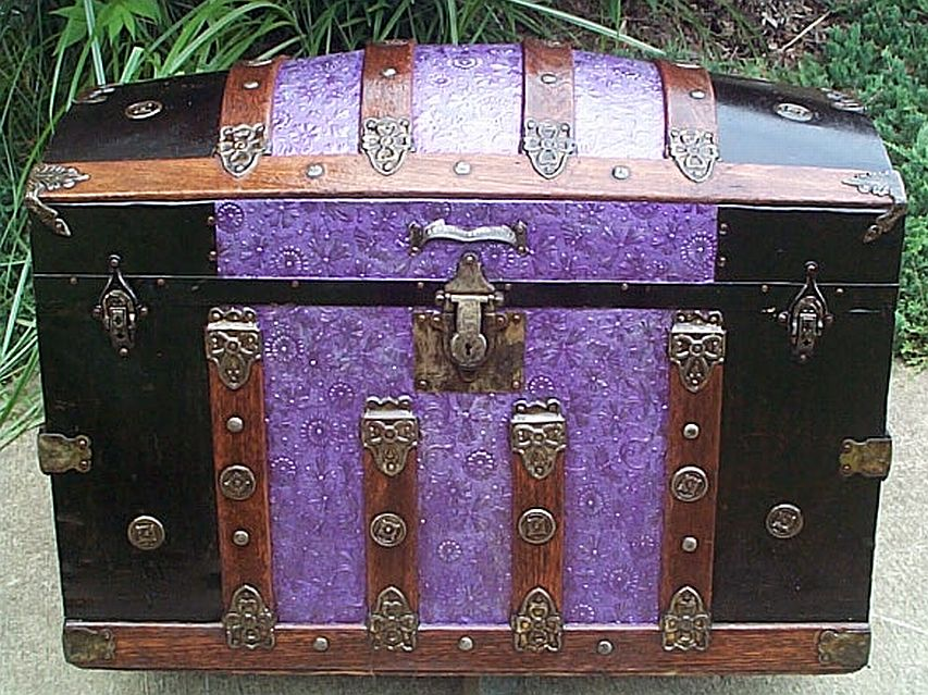 dome top antique trunk 318