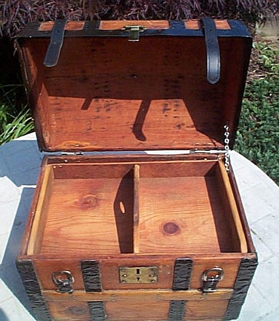 319 Restored Steamer Trunk Antique Small Dome Top Trunks