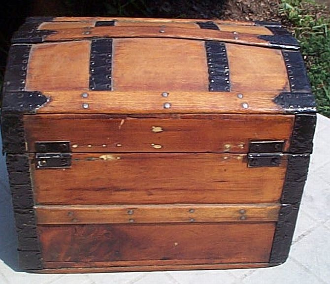 Antique Steamer Trunk #319