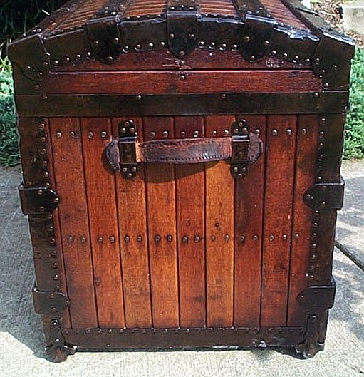 Antique Trunk #327